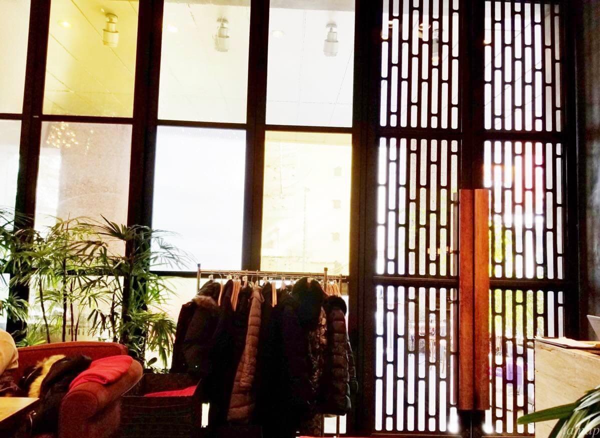 立川駅北口マザーズオリエンタルの店内