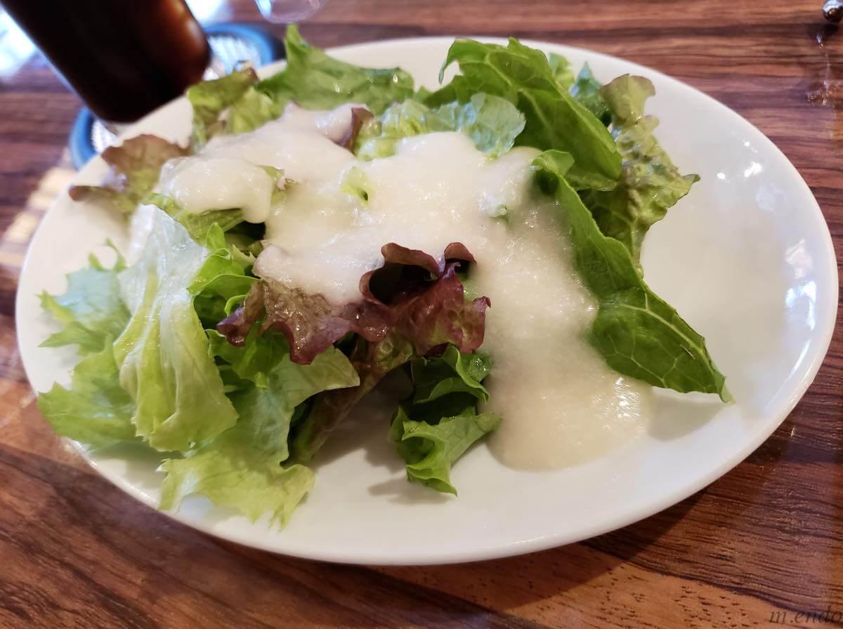 ビストロ&バル ラポールのサラダ