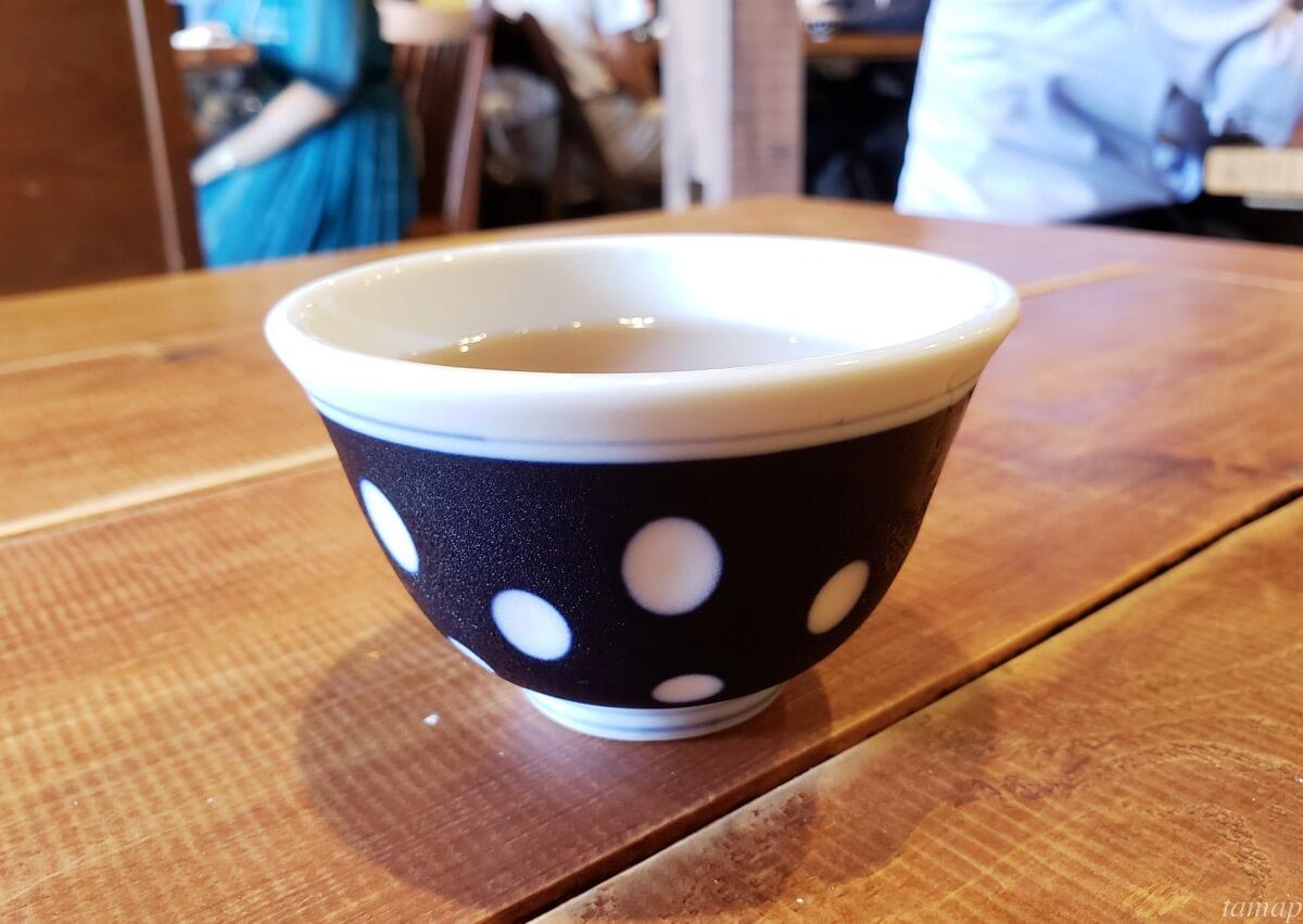 菊松食堂のお茶
