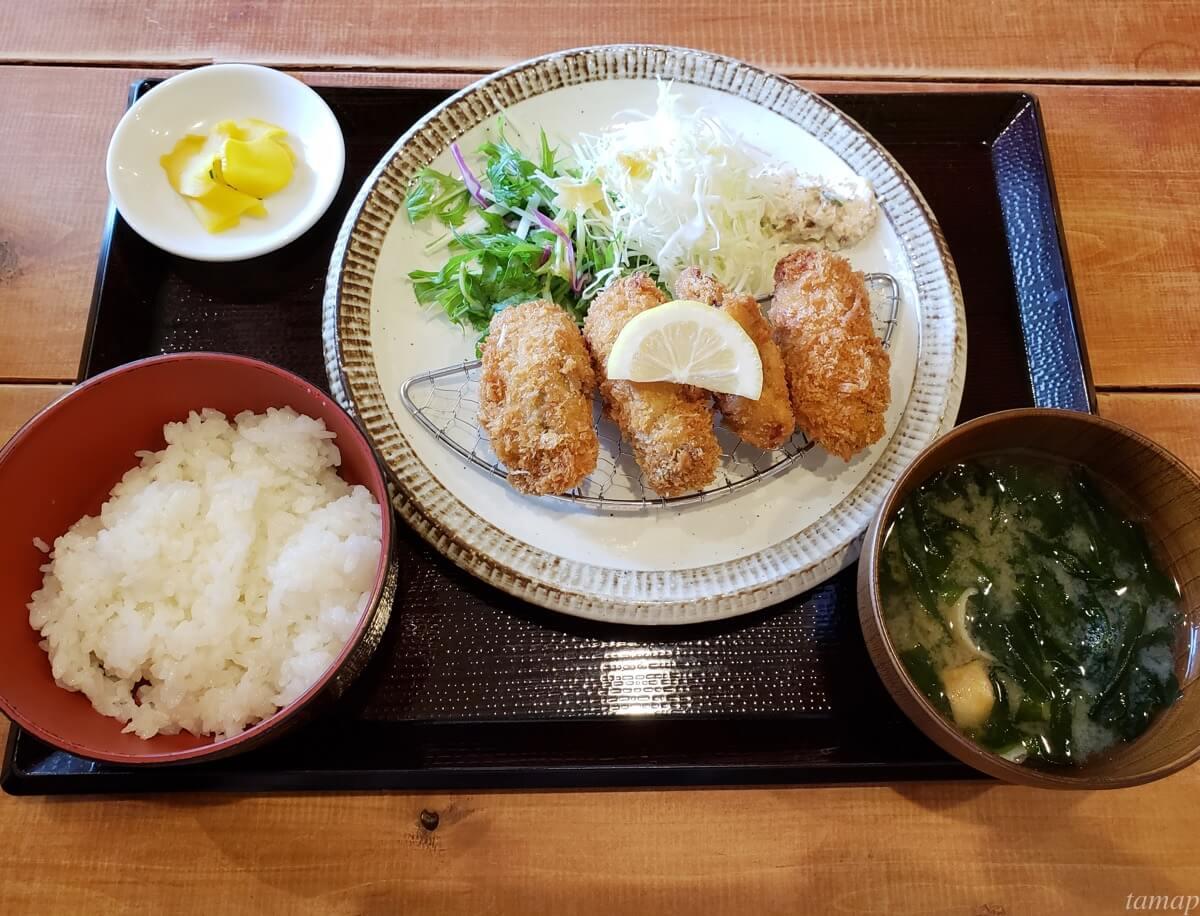 菊松食堂のカキフライ