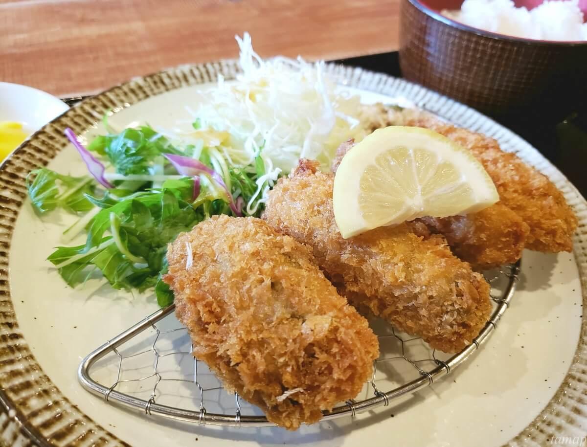菊松食堂の牡蠣フライ