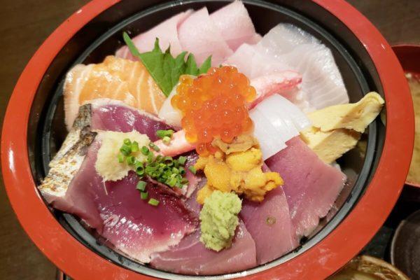立川南口降りてすぐ!「のどぐろ家 姫川」でボリュームたっぷり限定海鮮丼を食べてきた