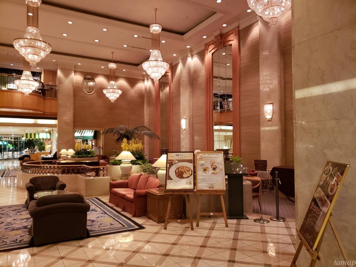 パレスホテル立川のエントランス