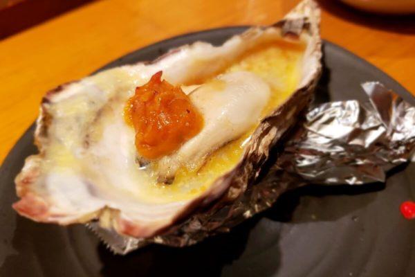 立川北口の隠れ家的な居酒屋「魚っとする鴨 」に行ってきた。牡蠣料理がおいしくて落ち着いた雰囲気