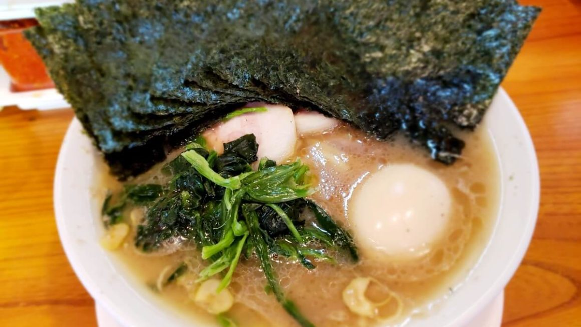 立川駅北口徒歩5分!横浜家系ラーメンつばさ家で全部のせラーメン食べてきた