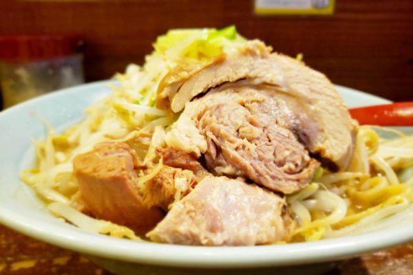 でか盛りが食べたい!立川マシマシらーめんたま館で二郎系ラーメンを食べてきた
