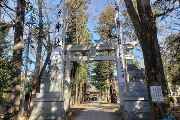 立川市の初詣なら「諏訪神社」がおすすめ。屋台・地酒の試飲もあって車でも行ける