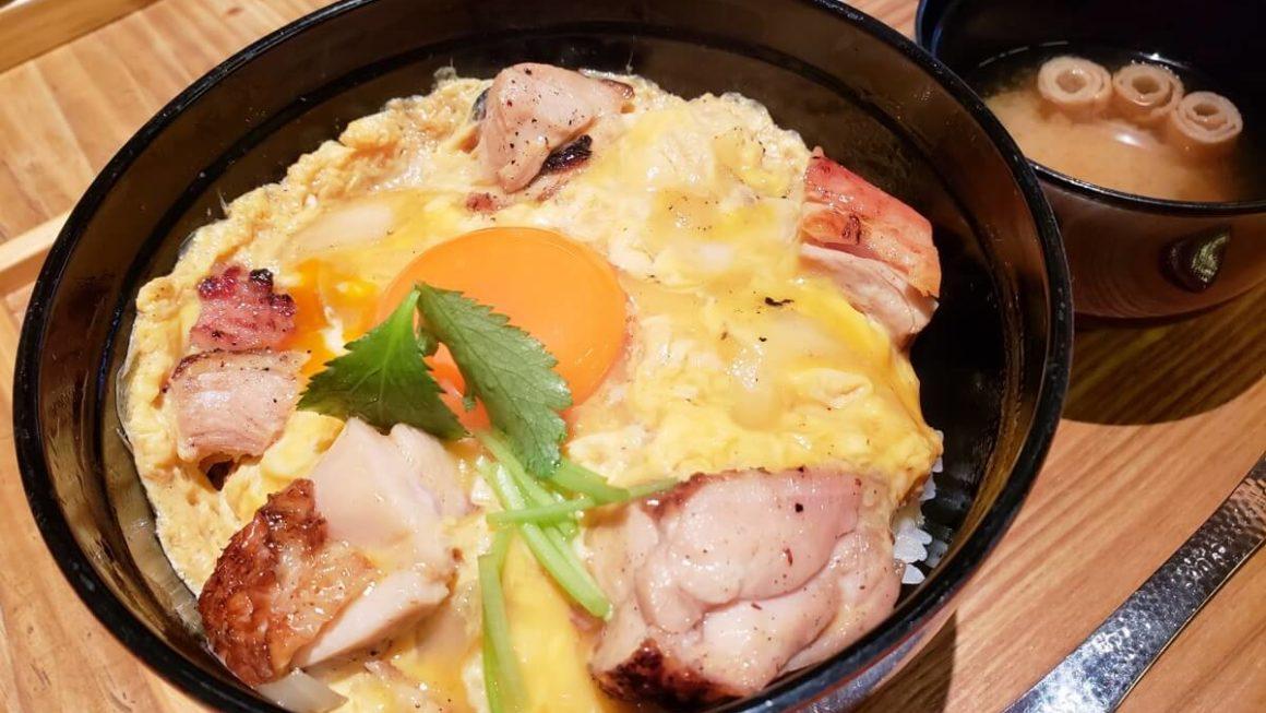 立川駅徒歩2分!「玉屋キッチン」で炭火で焼いたふわとろ親子丼ランチを食べてきた