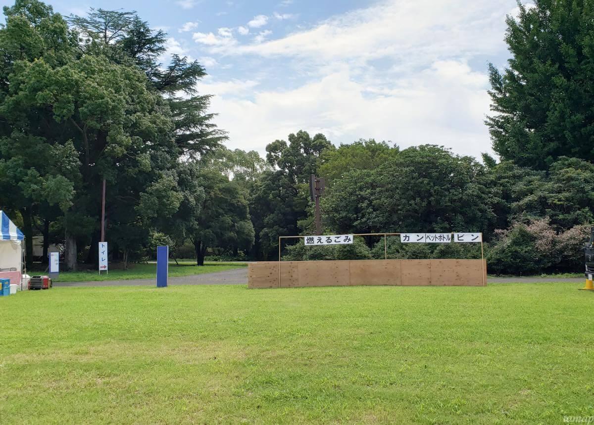昭和記念公園の花火大会の会場であるみんなの原っぱ