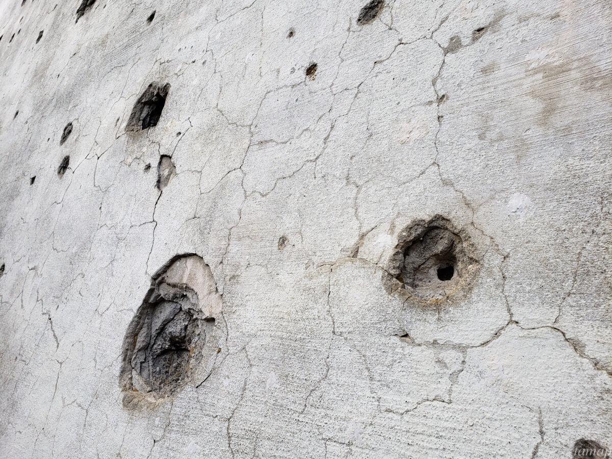 東大和市「旧日立航空機株式会社変電所」の壁穴