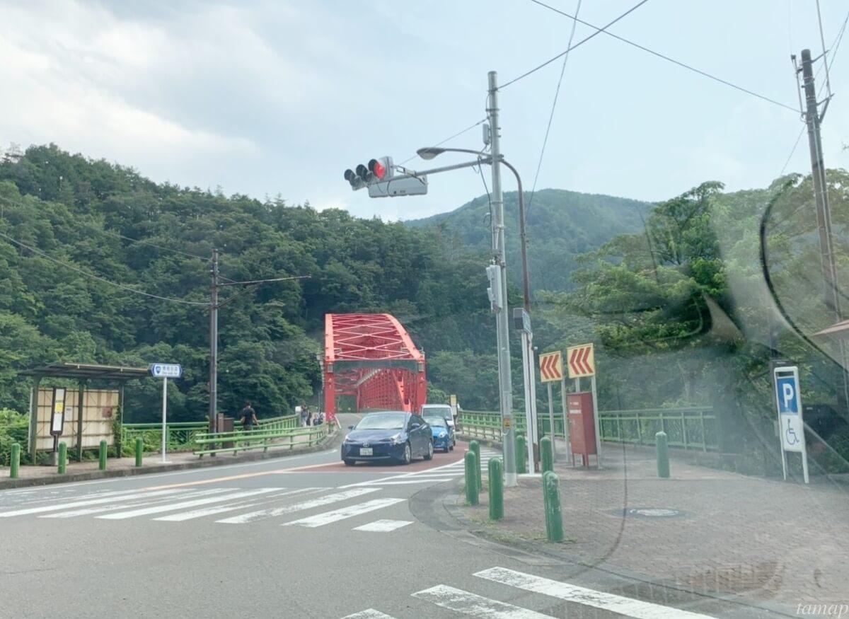 峰谷川渓流場の交差点