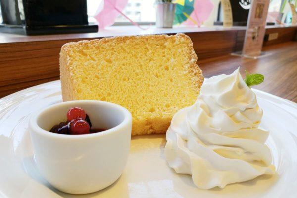 立川北駅直結電源カフェ「本棚珈琲ノルテ店」は多摩モノレールを眺めながらゆったりとくつろげる