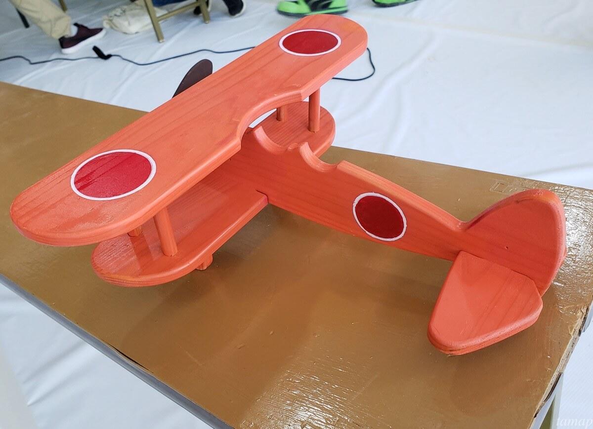 飛行機の模型が完成したところ