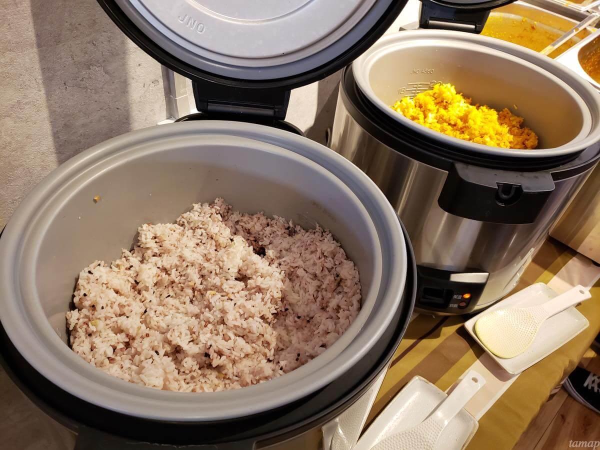 カレー会議室の2種類のご飯