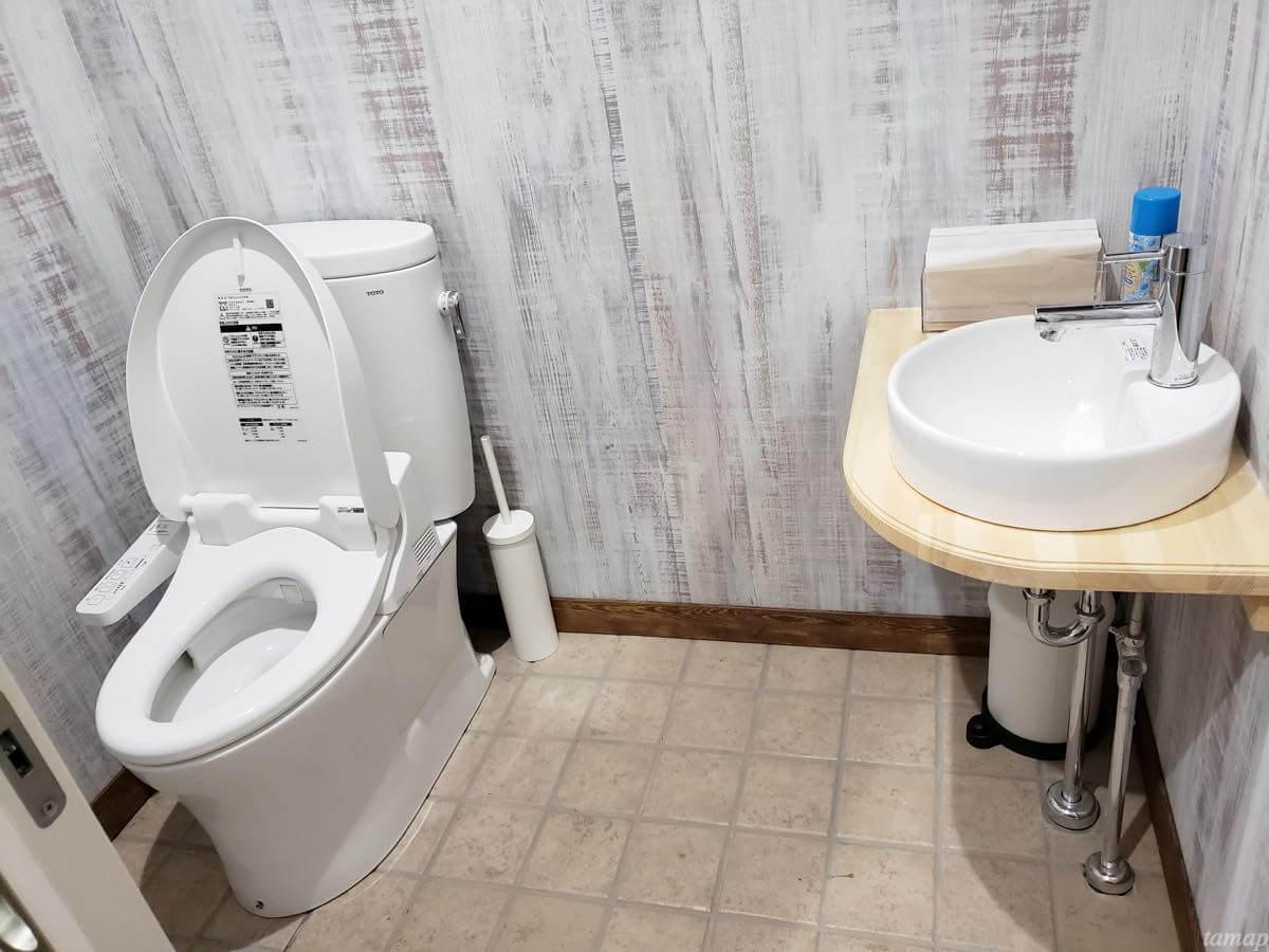 カレー会議室のトイレ