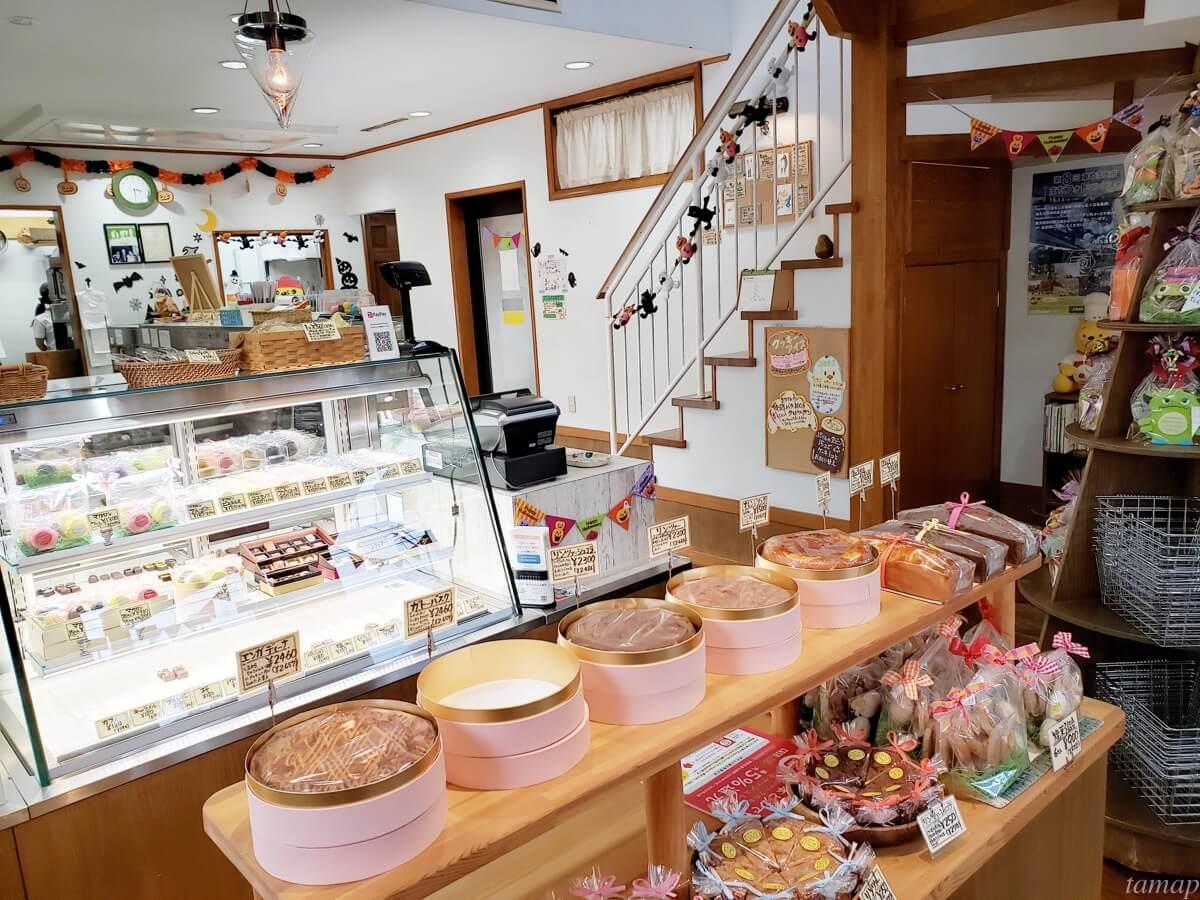 お菓子工房「伸」の店内