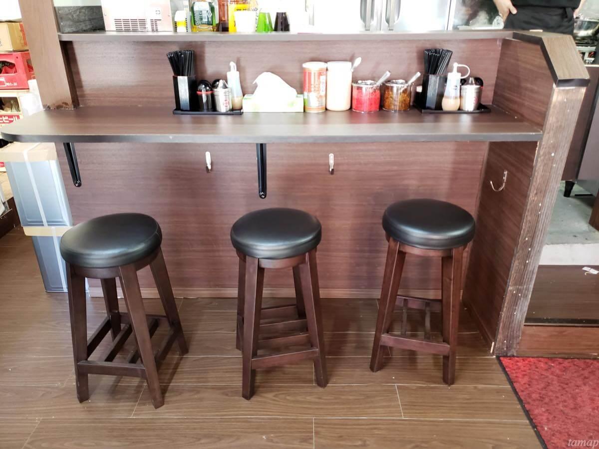 九州博多ラーメン「長浜や」の椅子
