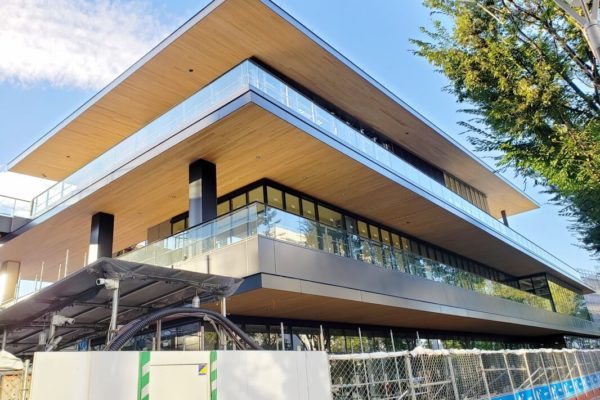 JR立川駅北口再開発「GREEN SPRINGS」2019年10月中旬の建設状況。ついにソラノホテルのスパ出現!