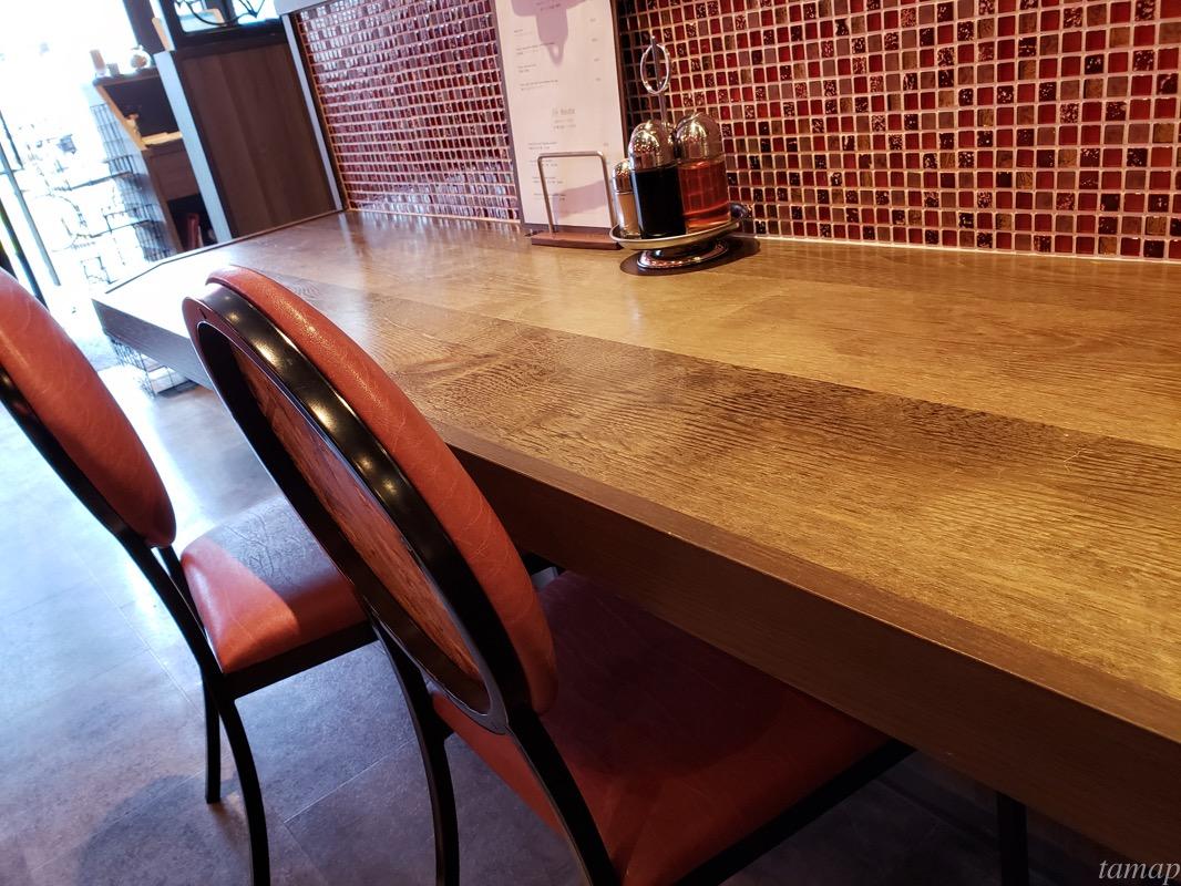 ドランクドラゴンのテーブル