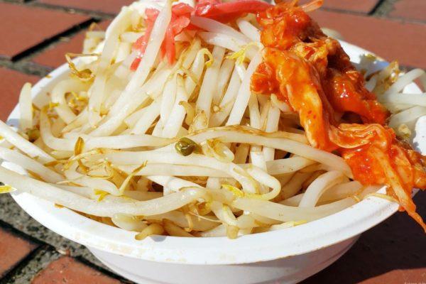 中央大学第53回「白門祭」に行ってきた。メガ盛り二郎系焼きそばなど人気のグルメが大集結