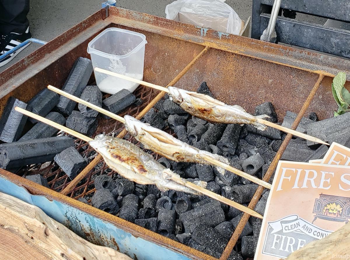 多摩の超文化祭のニジマス焼き