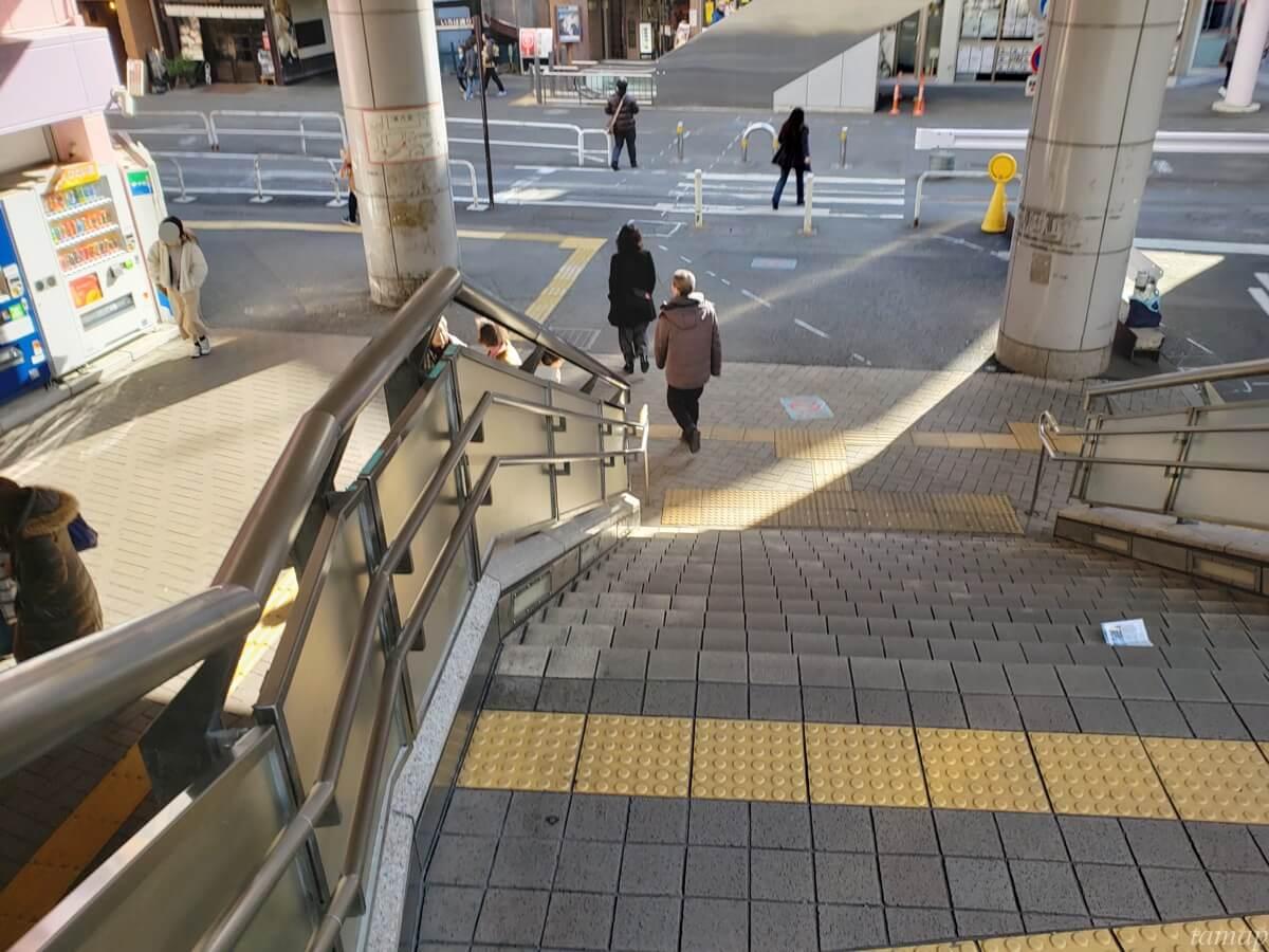 立川駅の階段