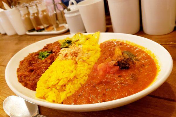 立川駅南口徒歩1分!行列カレー店「レインボウスパイス」は絶品本格インドカレーが味わえる