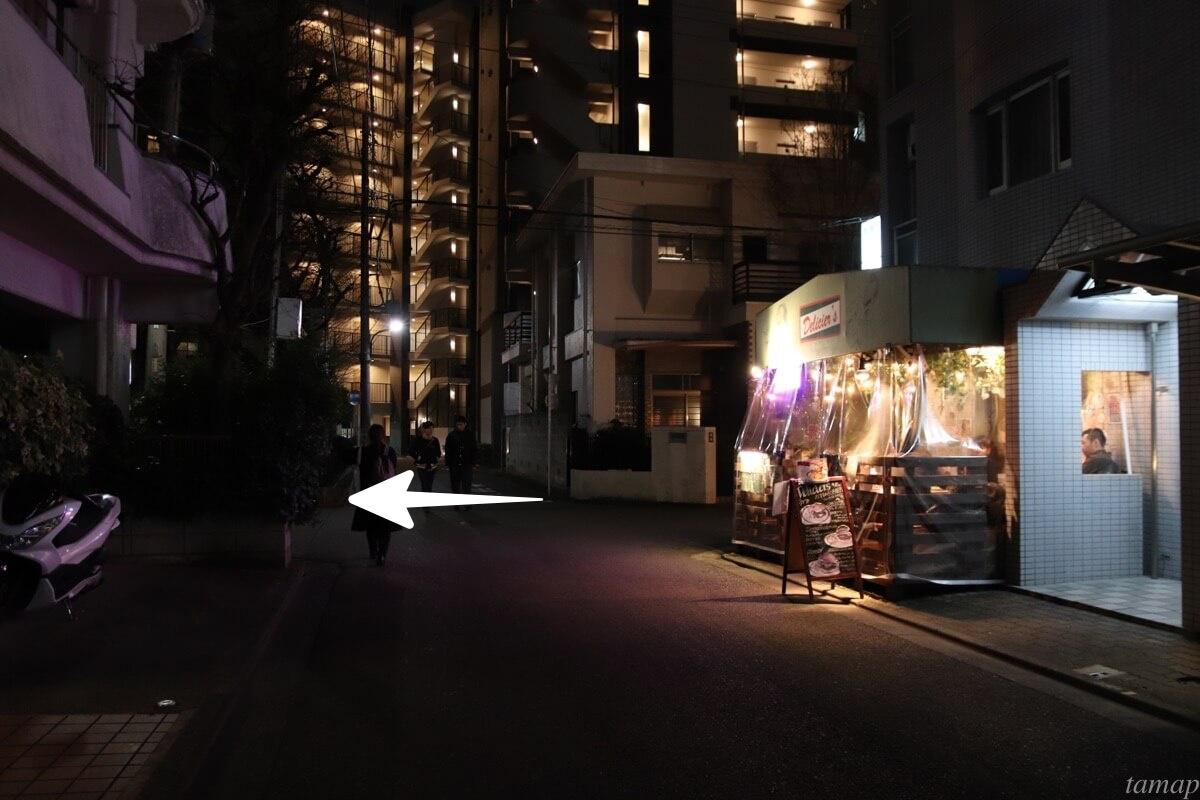 立川駅南口の道