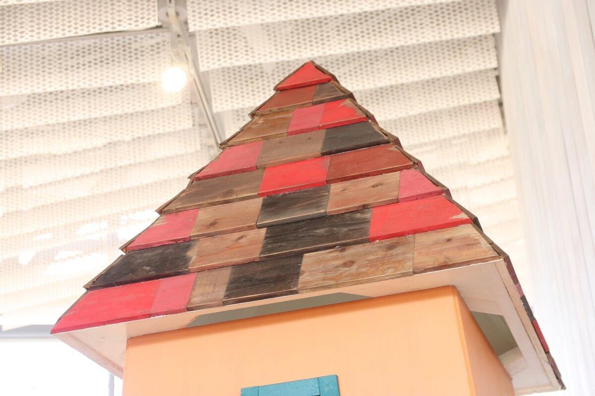 ウドラ秘密基地の屋根