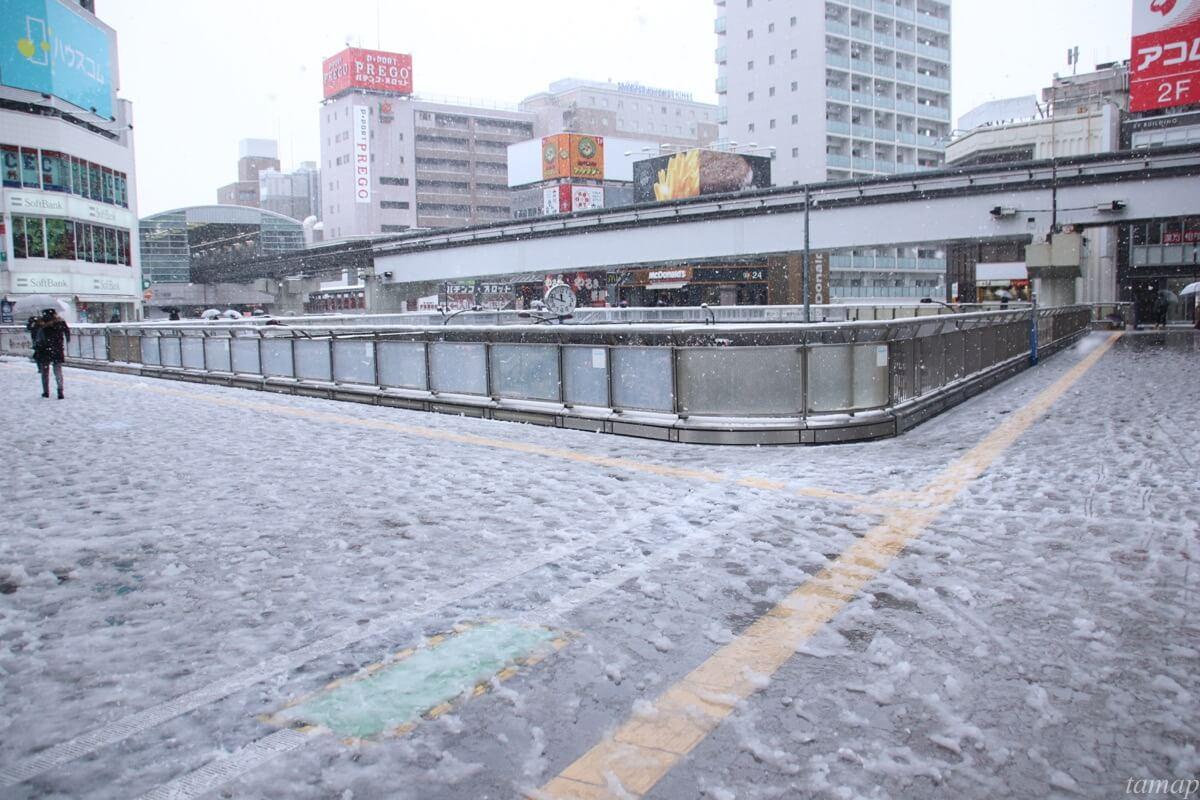 立川駅南口の雪