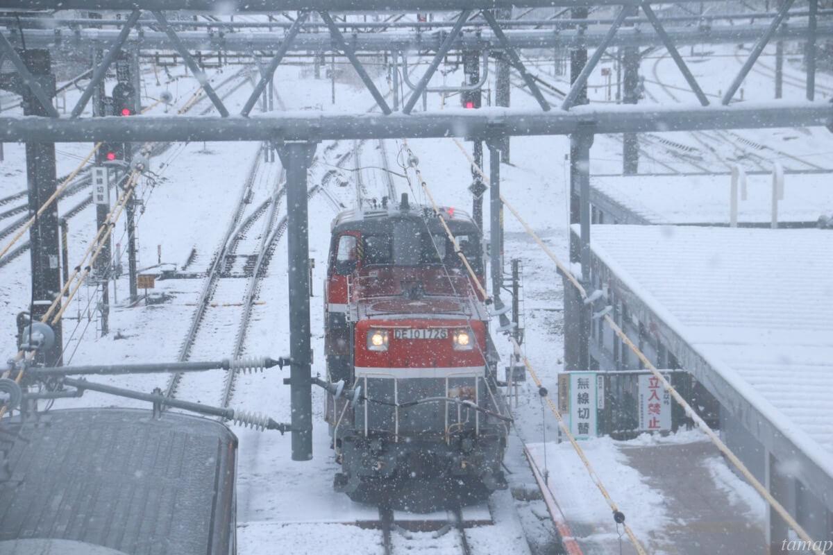 立川駅の列車