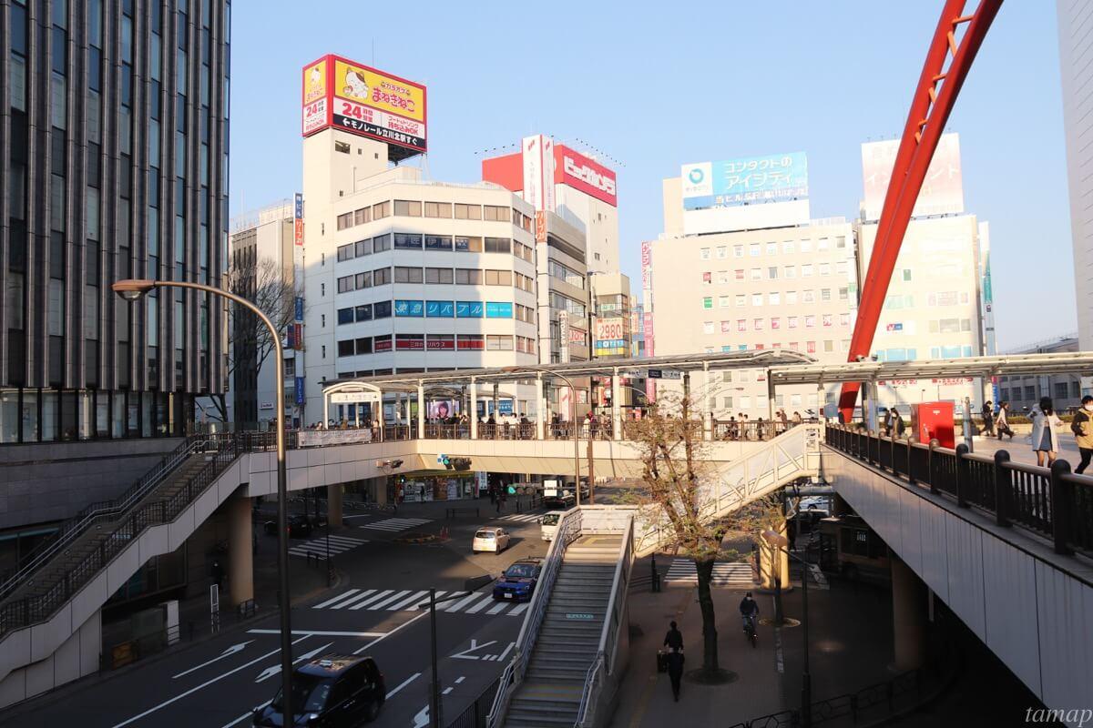 立川駅前の人通り