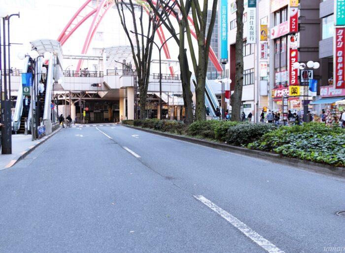 立川通りの道路の閑散具合