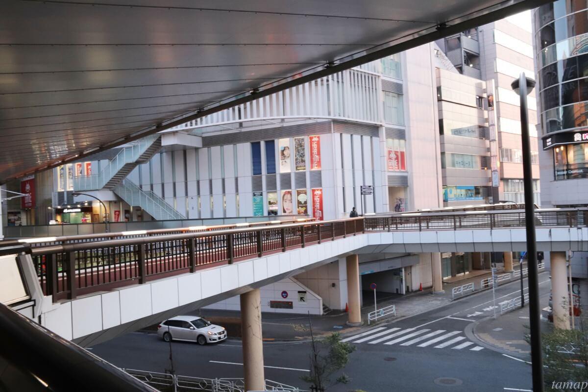 立川駅前のペデストリアンデッキ
