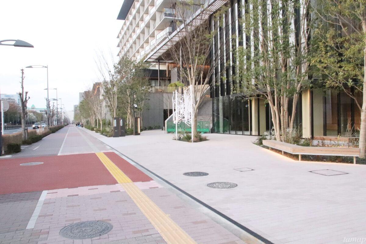 SORANO HOTELの前の道路