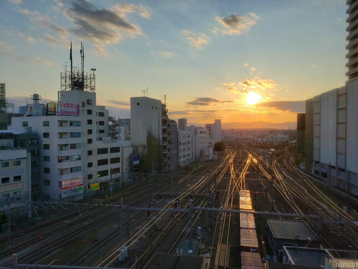 立川駅の夕暮れ