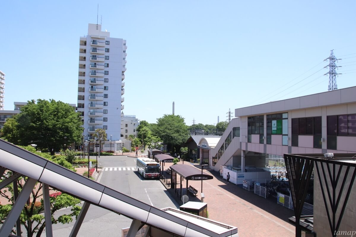 玉川上水駅のロータリー