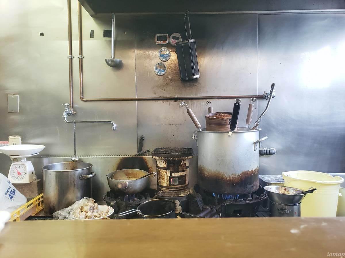 自家製麺まさきの厨房