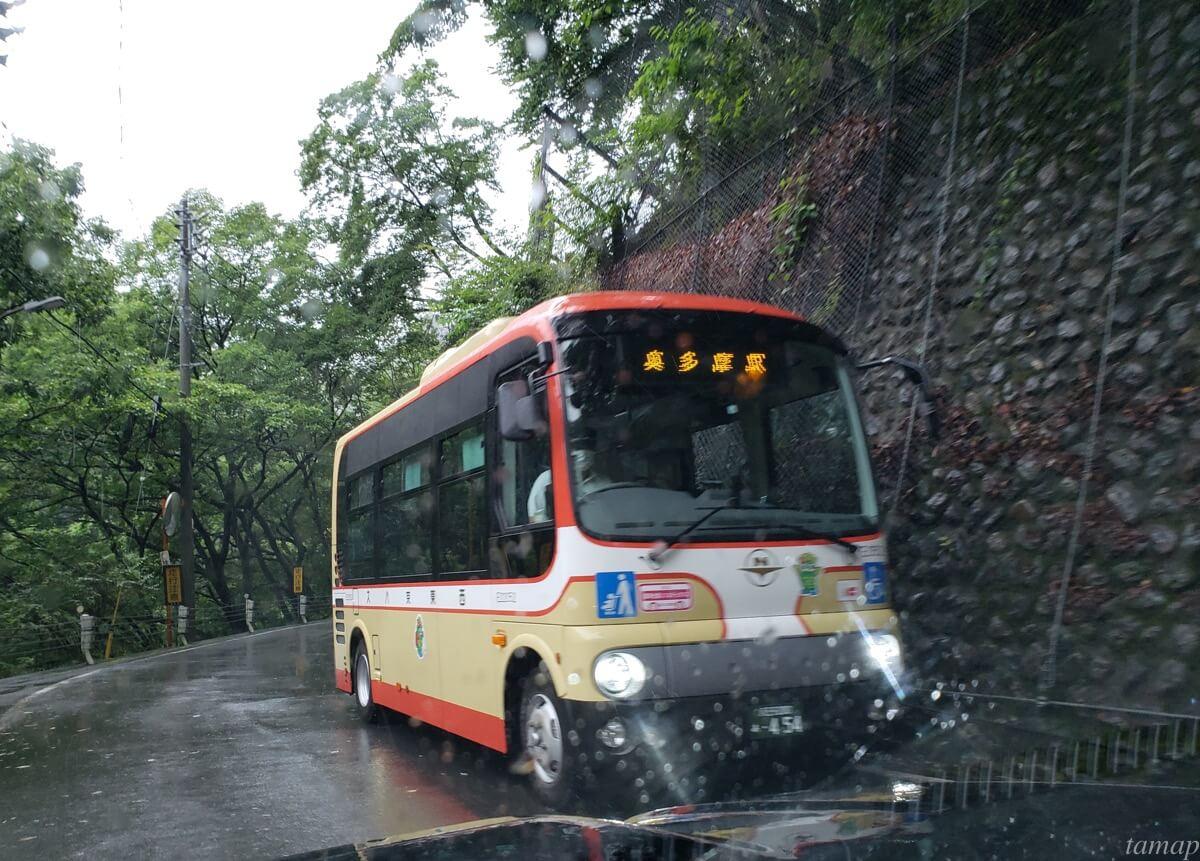 日原鍾乳洞に行くまでのバス