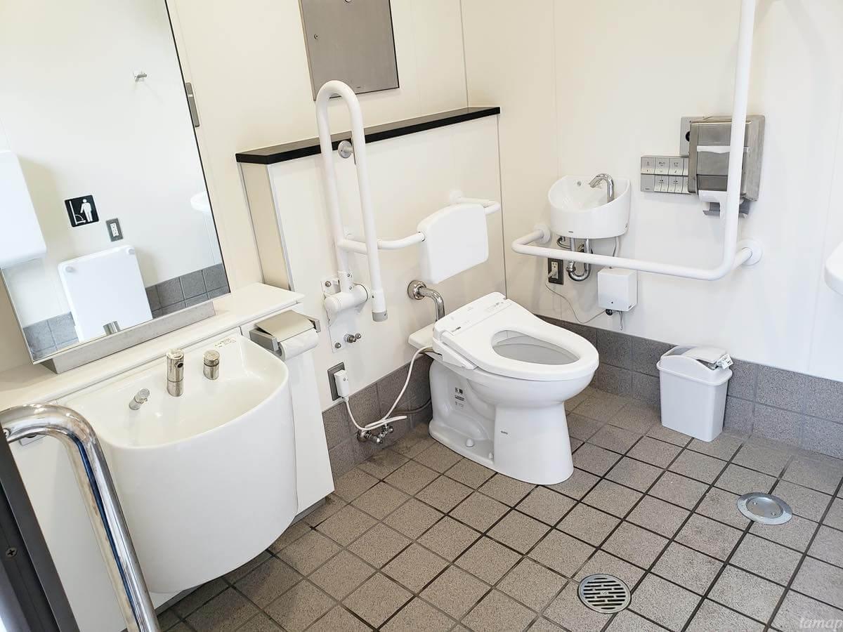 奥多摩駅内の誰でもトイレ