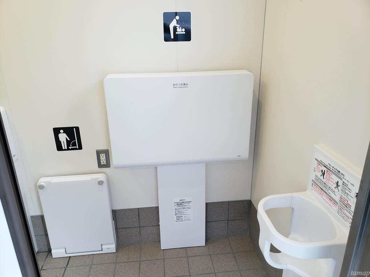 奥多摩駅構内のトイレ